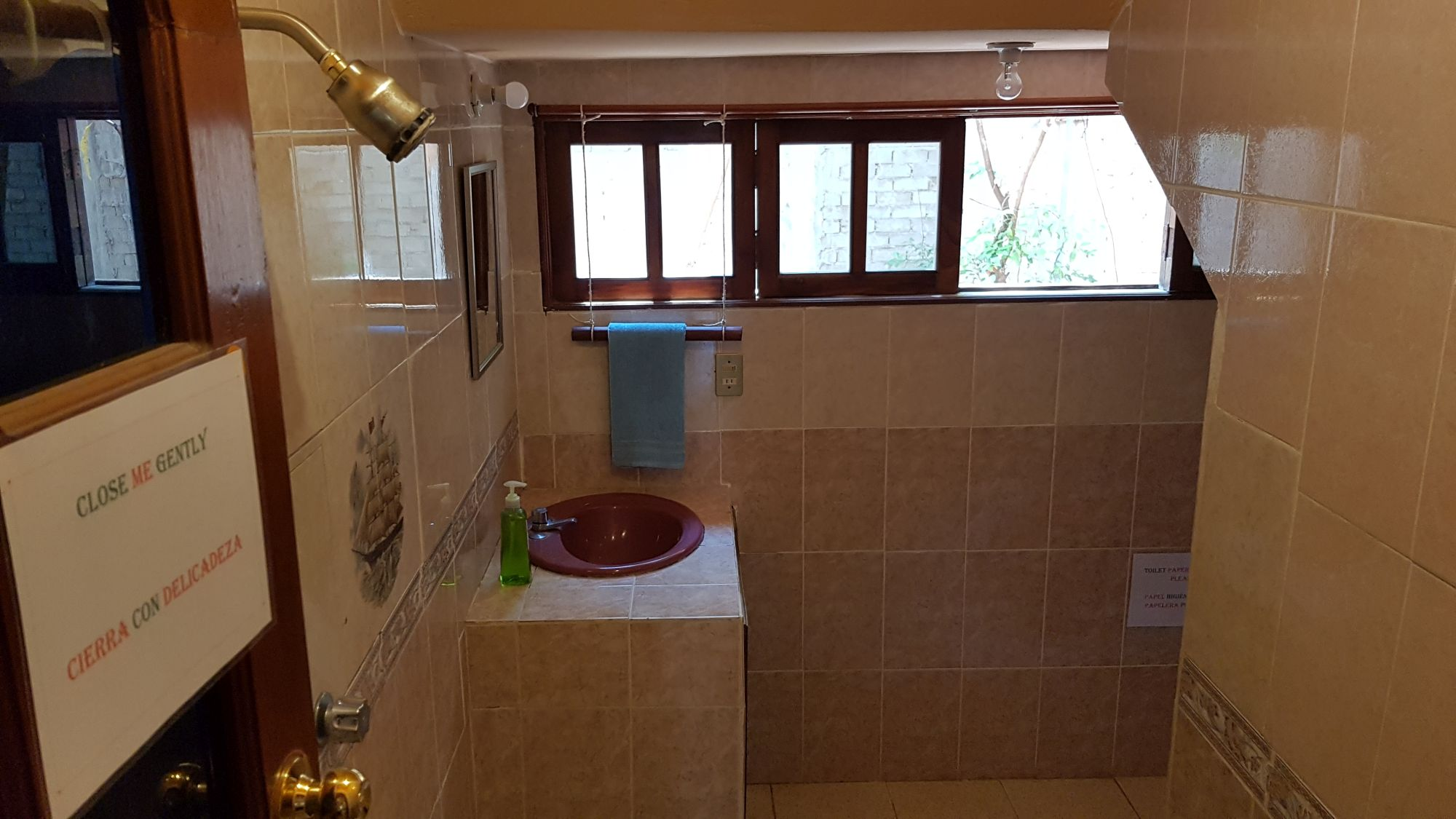 Villa Mango Puerto Escondido Bathroom dorms shared 1