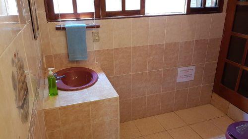 Villa Mango Puerto Escondido Bathroom dorms shared 2
