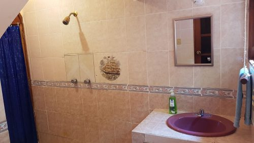 Villa Mango Puerto Escondido Bathroom dorms shared 3