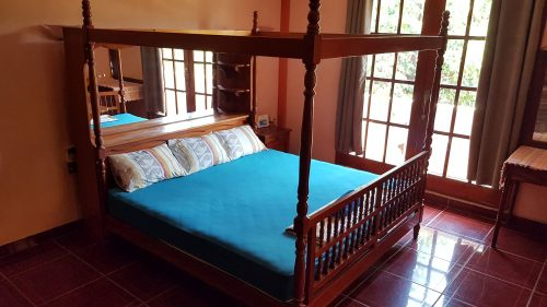 Villa Mango Puerto Escondido Manila king private room 1