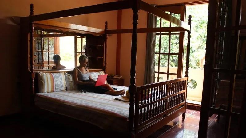 Villa Mango Puerto Escondido Manila king private room 6