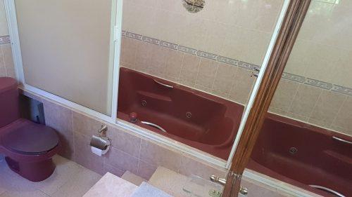 Villa Mango Puerto Escondido Manila king private room bathroom1